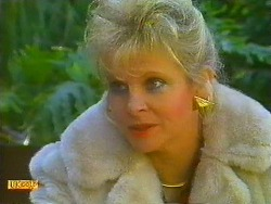 Amanda Harris in Neighbours Episode 0559