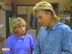 Charlene Mitchell, Scott Robinson in Neighbours Episode 0559