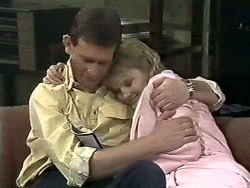 Des Clarke, Daphne Clarke in Neighbours Episode 0561