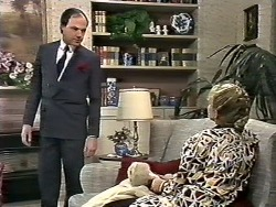 Graham, Amanda Harris in Neighbours Episode 0561