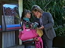 Charlene Mitchell, Scott Robinson in Neighbours Episode 0562