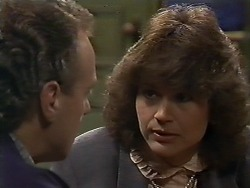 Jim Robinson, Beverly Marshall in Neighbours Episode 0564