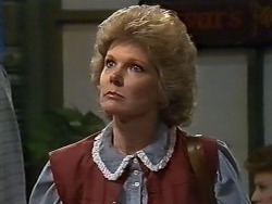 Irate Woman in Neighbours Episode 0564