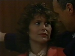 Beverly Marshall, Jim Robinson in Neighbours Episode 0565