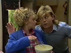 Charlene Mitchell, Scott Robinson in Neighbours Episode 0565