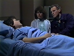 Lucy Robinson, Beverly Marshall, Jim Robinson in Neighbours Episode 0567