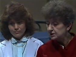Beverly Marshall, Nell Mangel in Neighbours Episode 0568