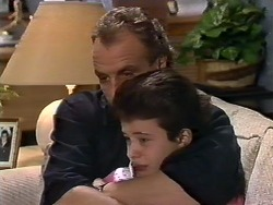 Jim Robinson, Lucy Robinson in Neighbours Episode 0568