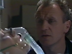 Lucy Robinson, Jim Robinson in Neighbours Episode 0568