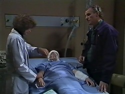 Beverly Marshall, Lucy Robinson, Jim Robinson in Neighbours Episode 0568