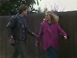 Mike Young, Jane Harris in Neighbours Episode 0568