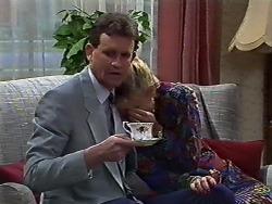 Des Clarke, Daphne Clarke in Neighbours Episode 0569