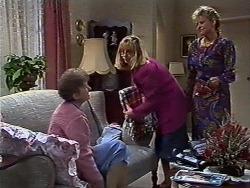Nell Mangel, Jane Harris, Daphne Clarke in Neighbours Episode 0569