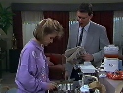 Daphne Clarke, Des Clarke in Neighbours Episode 0569