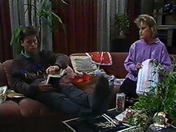 Mike Young, Daphne Clarke in Neighbours Episode 0569