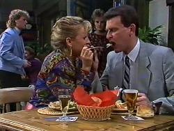 Henry Ramsay, Amanda Harris, Daphne Clarke, Des Clarke in Neighbours Episode 0569