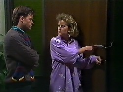 Mike Young, Daphne Clarke in Neighbours Episode 0570