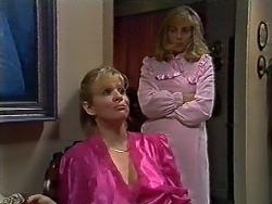 Amanda Harris, Jane Harris in Neighbours Episode 0570