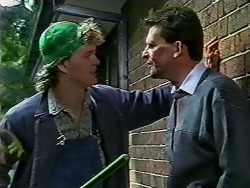 Henry Ramsay, Des Clarke in Neighbours Episode 0570
