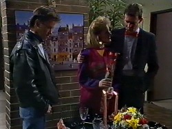 Mike Young, Daphne Clarke, Des Clarke in Neighbours Episode 0570