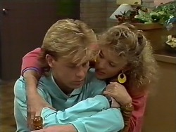 Scott Robinson, Charlene Mitchell in Neighbours Episode 0571
