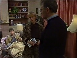 Nell Mangel, Jane Harris, Harold Bishop in Neighbours Episode 0571
