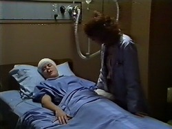 Lucy Robinson, Beverly Marshall in Neighbours Episode 0571