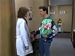 Beverly Marshall, Paul Robinson in Neighbours Episode 0572