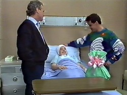 Jim Robinson, Lucy Robinson, Paul Robinson in Neighbours Episode 0572