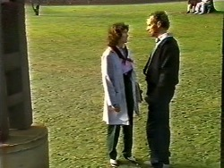 Beverly Marshall, Jim Robinson in Neighbours Episode 0572