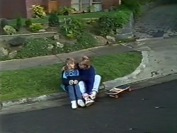 Charlene Mitchell, Scott Robinson in Neighbours Episode 0572