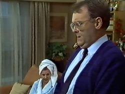 Madge Bishop, Harold Bishop in Neighbours Episode 0573