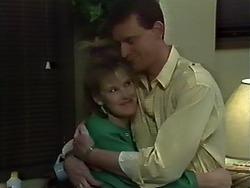 Daphne Clarke, Des Clarke in Neighbours Episode 0574