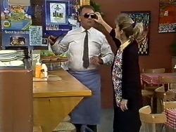 Harold Bishop, Daphne Clarke in Neighbours Episode 0574