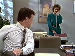 Paul Robinson, Gail Robinson in Neighbours Episode 0574