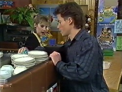Daphne Clarke, Mike Young in Neighbours Episode 0575