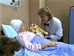 Lucy Robinson, Henry Ramsay in Neighbours Episode 0575