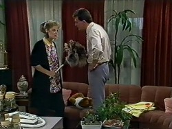 Daphne Clarke, Des Clarke in Neighbours Episode 0576