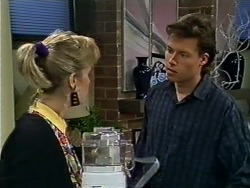 Daphne Clarke, Mike Young in Neighbours Episode 0576