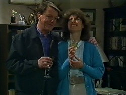 Stephen Armstrong, Beverly Marshall in Neighbours Episode 0576