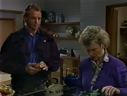 Jim Robinson, Helen Daniels in Neighbours Episode 0576
