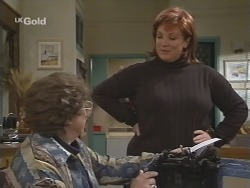 Marlene Kratz, Cheryl Stark in Neighbours Episode 2671