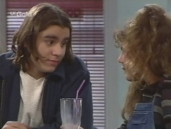 Casper Mack, Hannah Martin in Neighbours Episode 2672