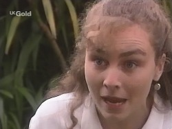 Debbie Martin in Neighbours Episode 2672