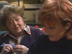 Marlene Kratz, Cheryl Stark in Neighbours Episode 2674