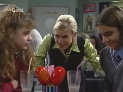 Hannah Martin, Joanna Hartman, Casper Mack in Neighbours Episode 2675