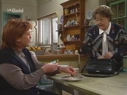 Cheryl Stark, Marlene Kratz in Neighbours Episode 2675