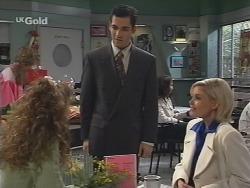 Hannah Martin, Steve George, Joanna Hartman in Neighbours Episode 2678