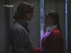 Darren Stark, Libby Kennedy in Neighbours Episode 2681