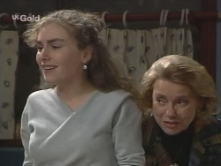 Debbie Martin, Helen Daniels in Neighbours Episode 2682